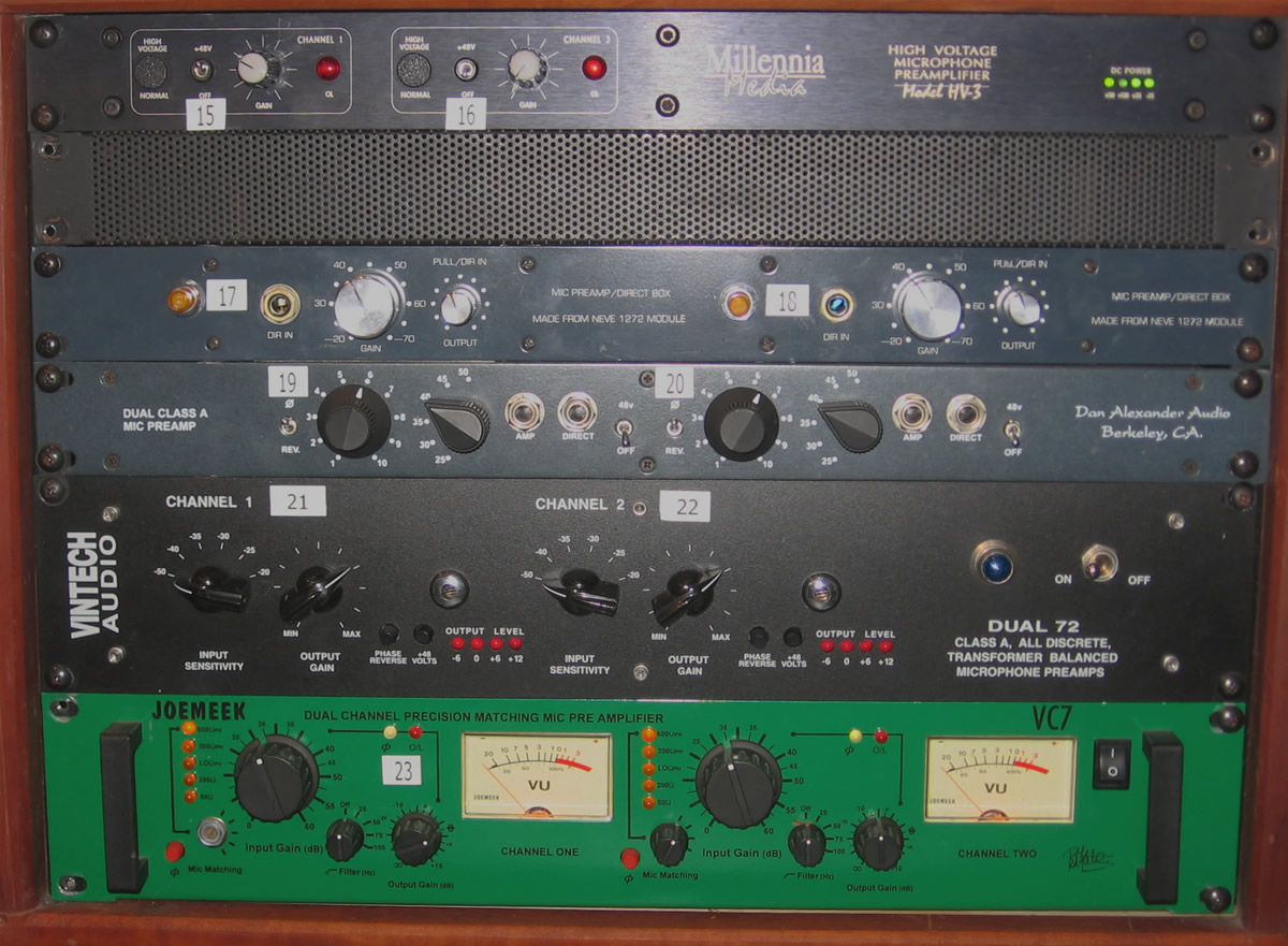 Preamps And Effects At Sweetbriar Recording Balanced Microphone Preamplifier Above This Rack Is An Old All Tube Gates It Sounds Really Good